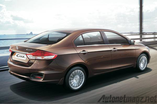 Suzuki-Ciaz-Rear-Quarter
