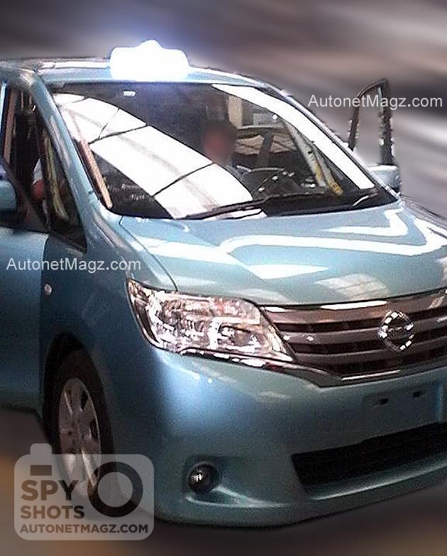 Taksi Bluebird MPV Nissan Serena 2014