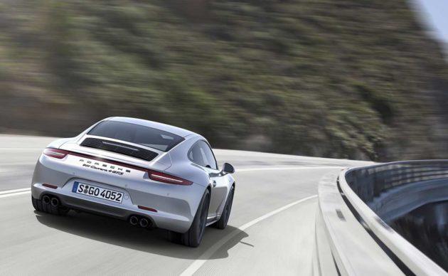 2015-Porsche-911-GTS-Coupe-Style