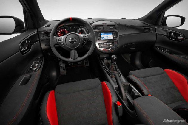 Interior mobil konsep Nissan Pulsar Nismo 2015