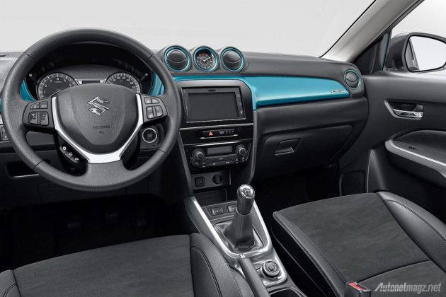 Suzuki Vitara 2015 dashboard two tone interior