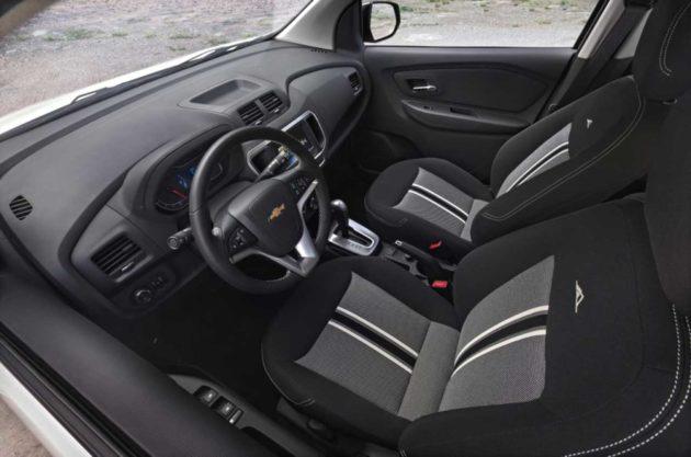Chevrolet-Spin-Activ-Interior-Brazil