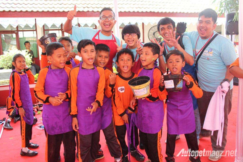 Foto-bersama-We-care-we-share-mitsubishi