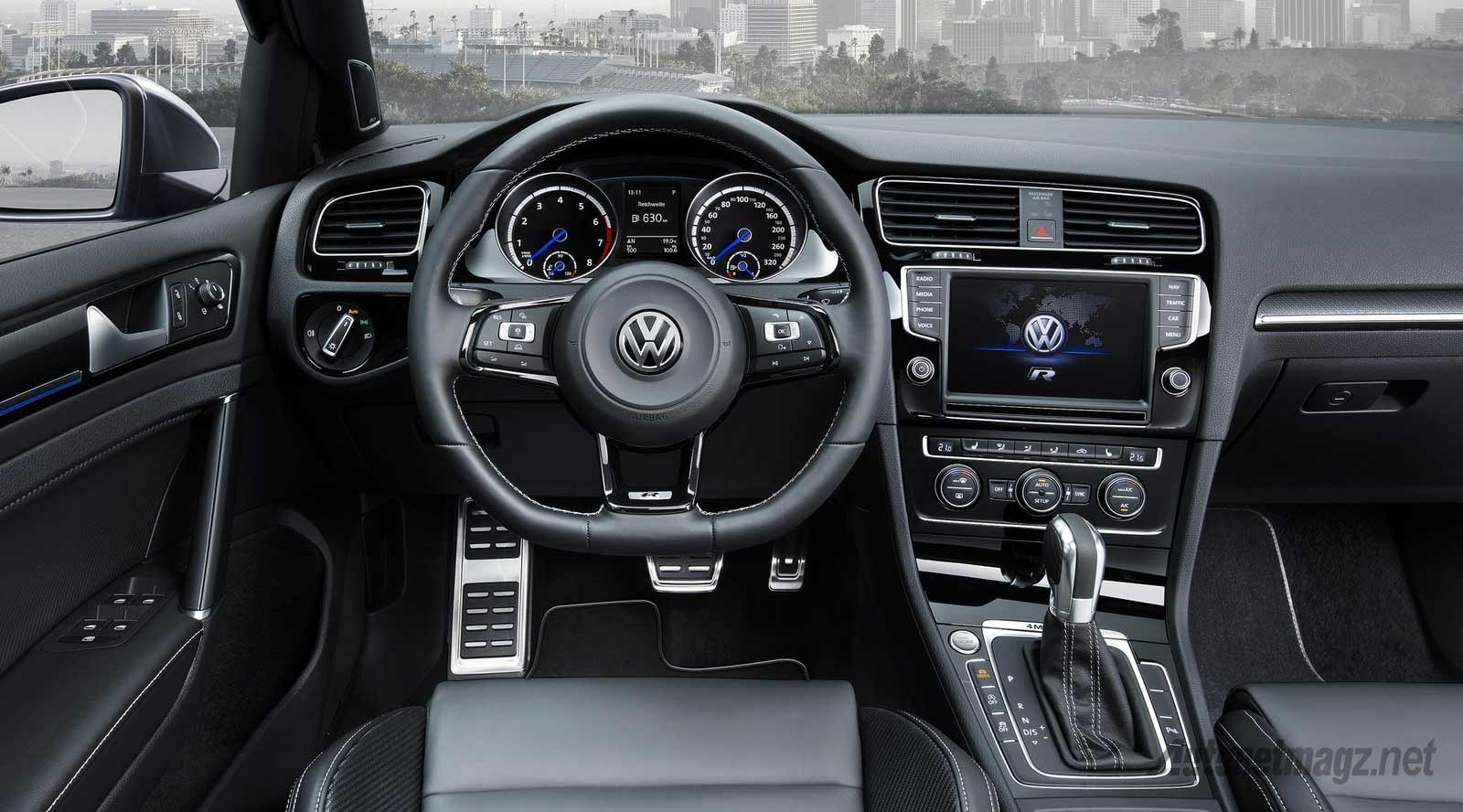 Interior-VW-Golf-R-Variant