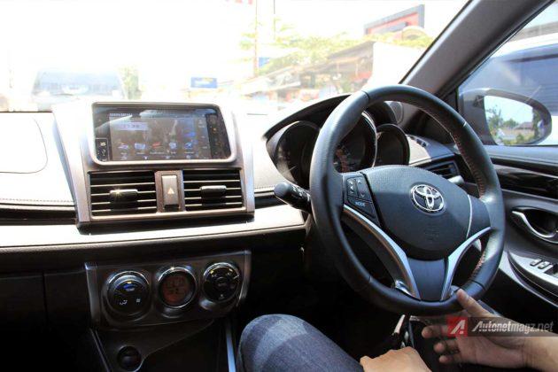 Interior dashboard Toyota Yaris TRD Sportivo