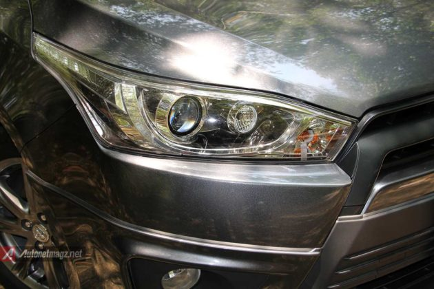 Lampu projector headlamp Toyota Yaris TRD Sportivo baru
