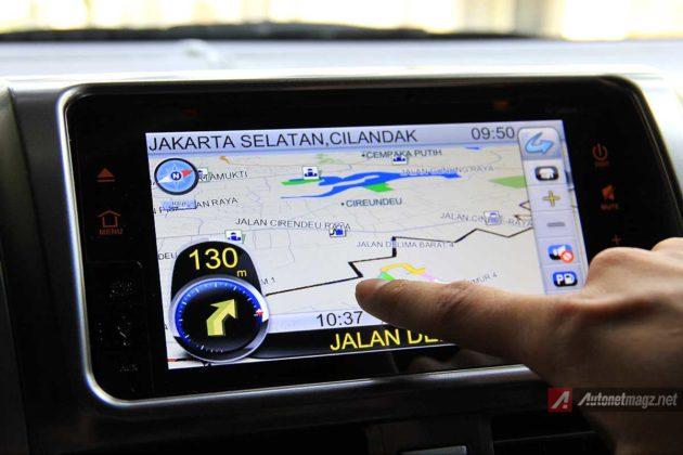Sistem navigasi navigation system di head unit Toyota Yaris