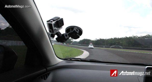 A-Pillar-Mazda2-SkyActiv