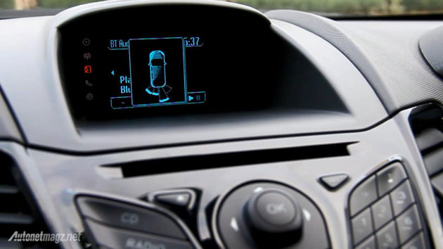 Rear parking sensor pada Ford Fiesta sensor parkir