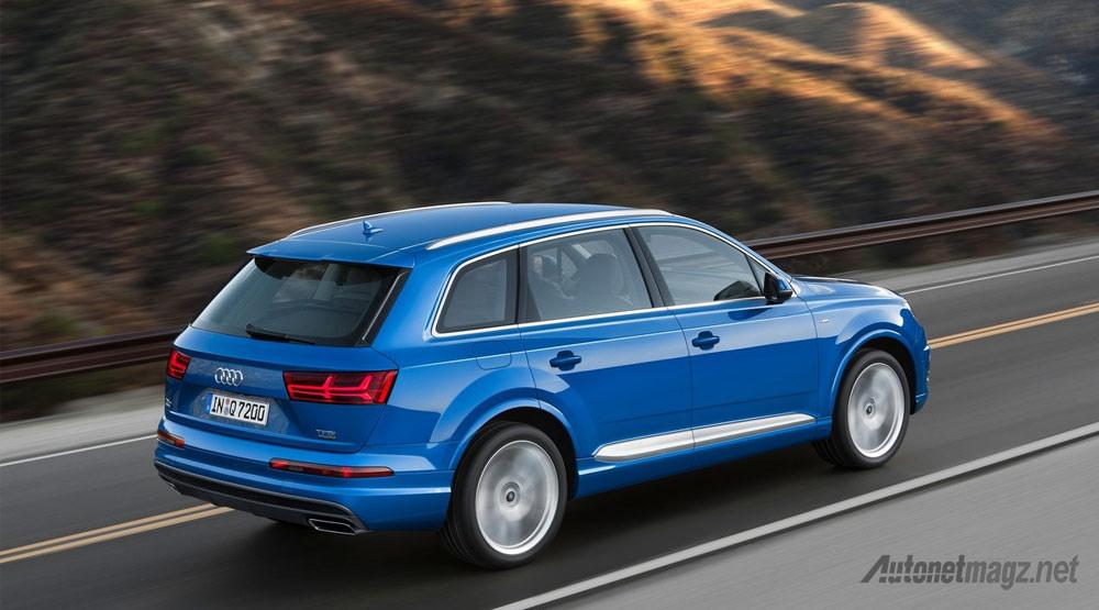 Wallpaper-Audi-Q7