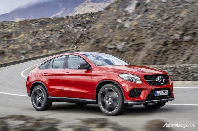 Handling SUV Mercedes-Benz 450 GLE AMG