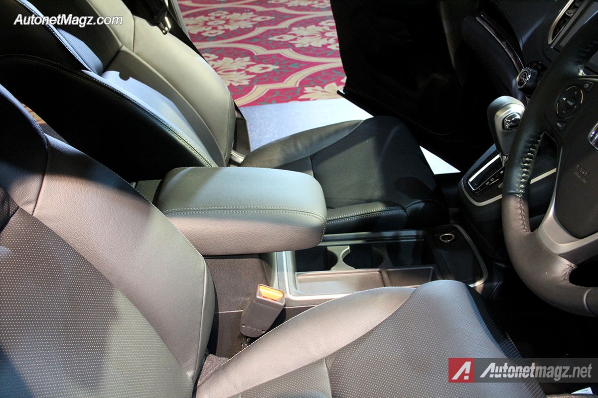 Honda, Honda-CRV-Handrest: First Impression Review Honda CRV Facelift 2015 Indonesia