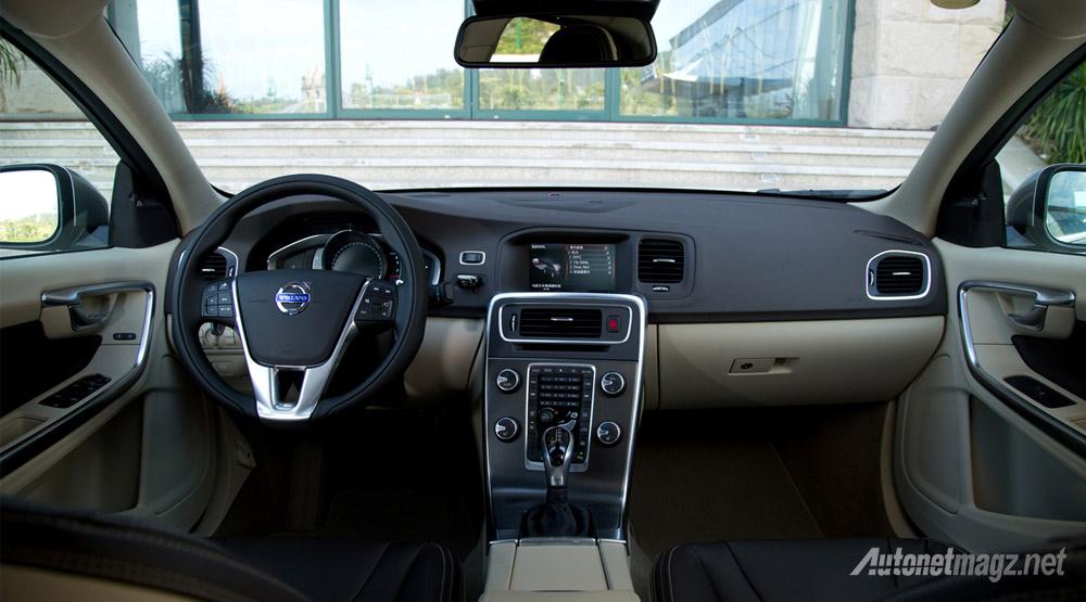 Interior-Volvo-S60L