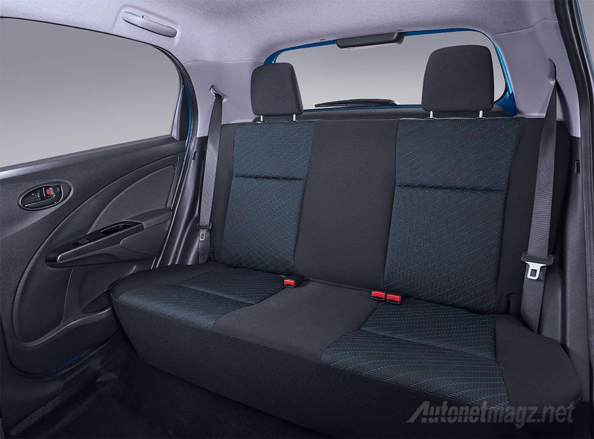 Kabin-belakang-Toyota-Etios-Valco-facelift-2015