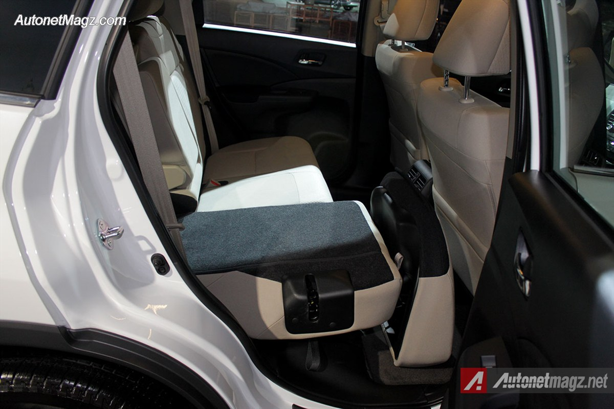 Honda, Pelipatan-Bangku-Honda-CRV-Facelift: First Impression Review Honda CRV Facelift 2015 Indonesia