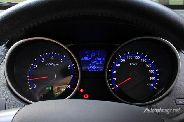 Speedometer dengan MID untuk melihat konsumsi BBM bensin Hyundai Tucson