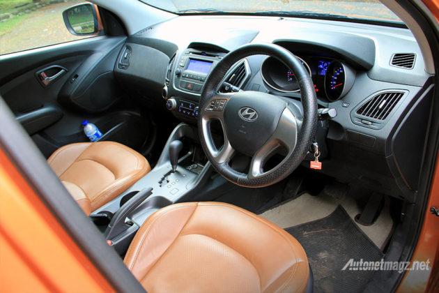 Warna interior jok orange pada Hyundai Tucson XG tipe tertinggi
