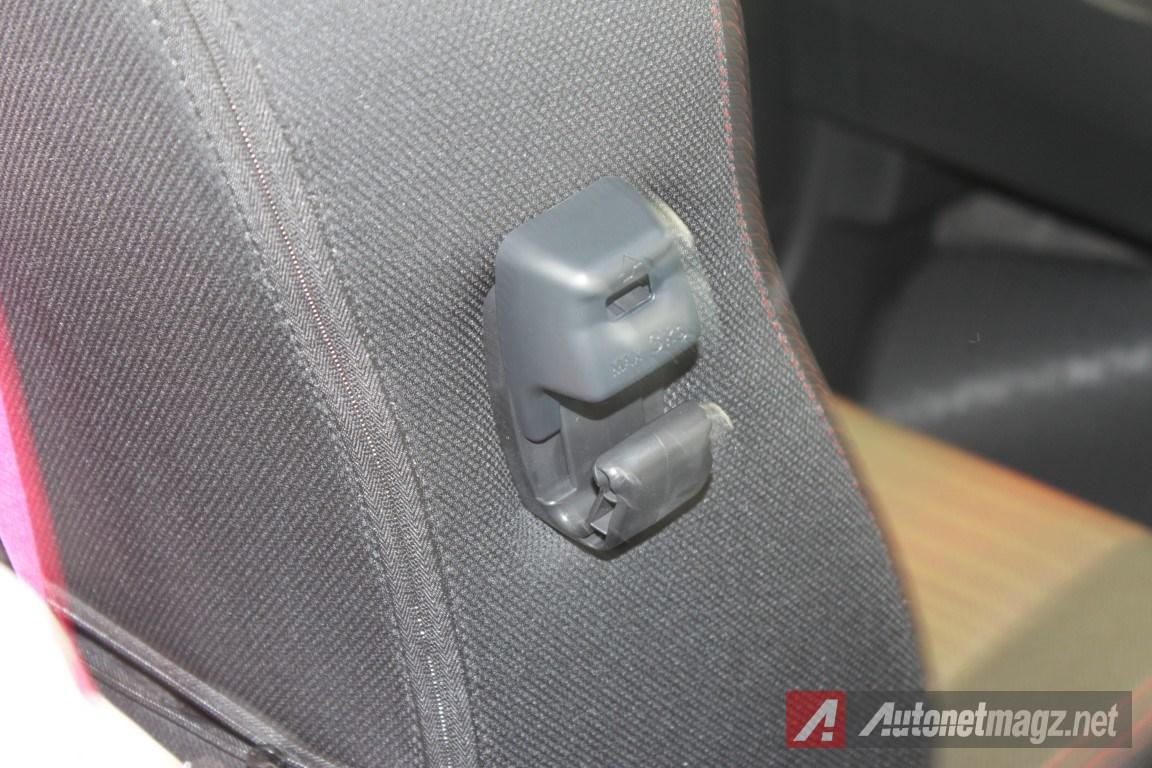2015-Daihatsu-Sirion-Facelift-Hook