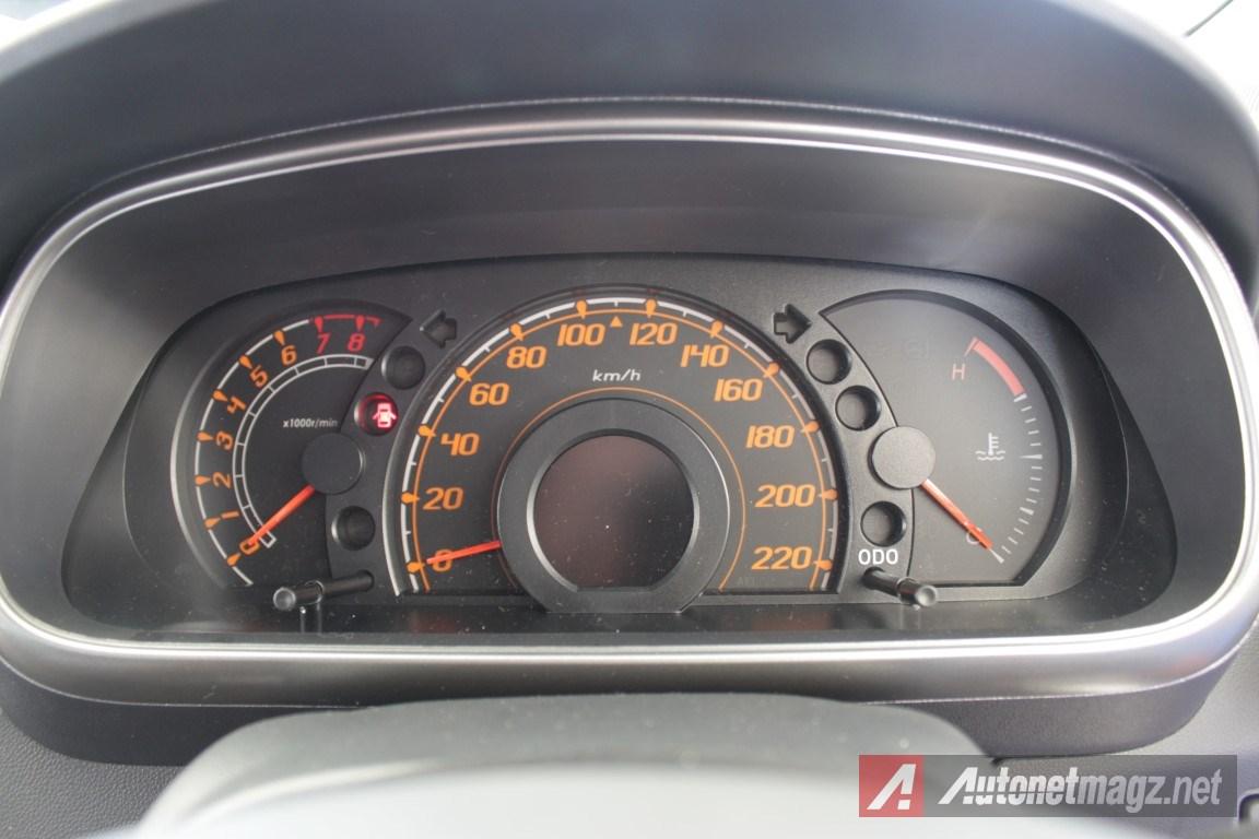 2015-Daihatsu-Sirion-Facelift-Speedometer