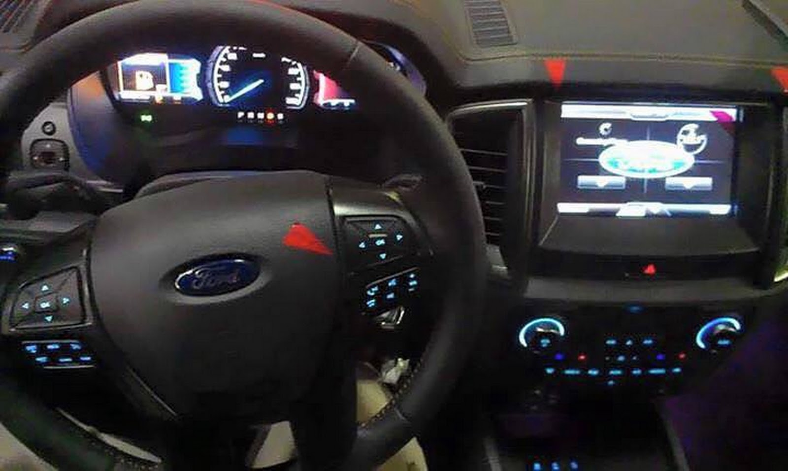 Interior Ford Ranger 2015