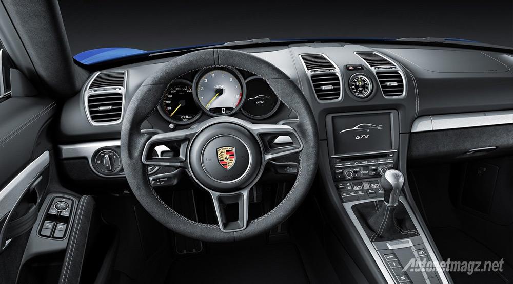Interior-Porsche-Cayman-GT4