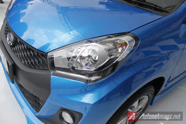 Projector headlamp dan lampu LED stripe Daihatsu Sirion 2015