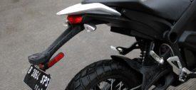 Posisi-mengemudi-Motor-Listrik-Zero-DS