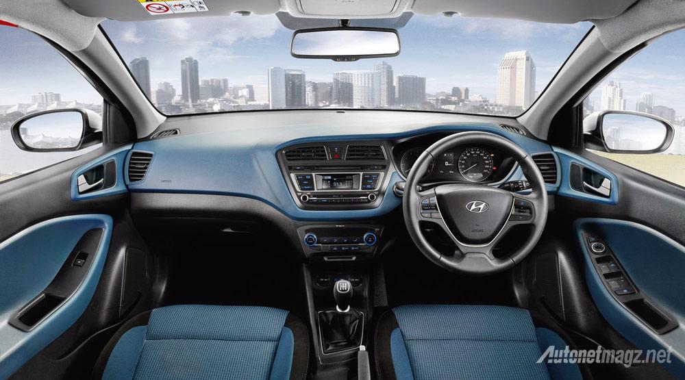 Interior-Hyundai-i20-Active-hitam-biru