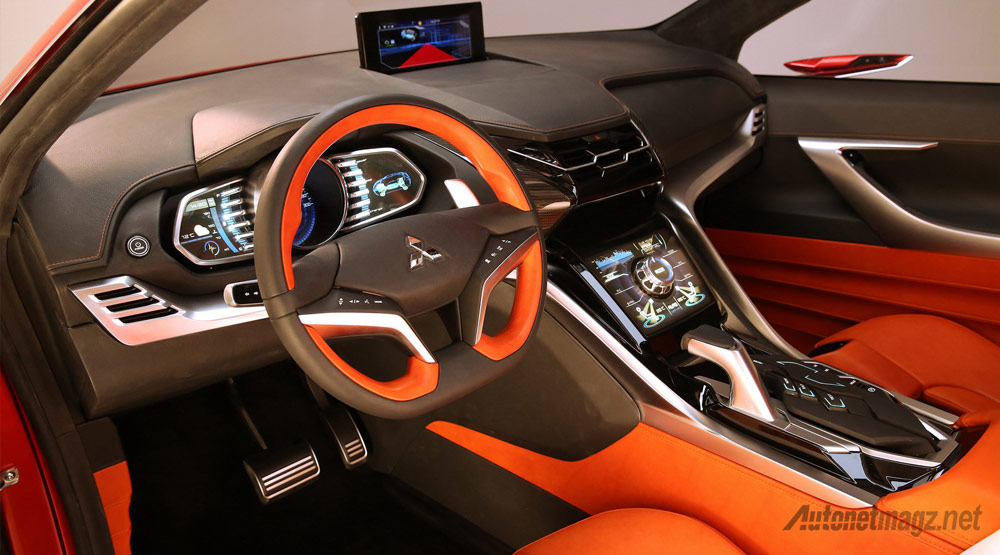 Interior-Mitsubishi-XR-PHEV-II