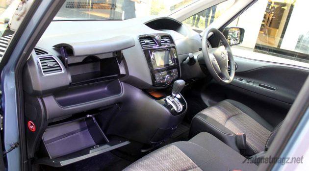 Interior-Nissan-Serena-Facelift-2015