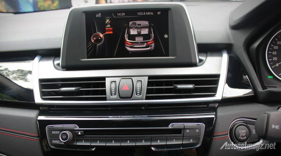 Monitor-head-unit-BMW-218i-Active-Tourer