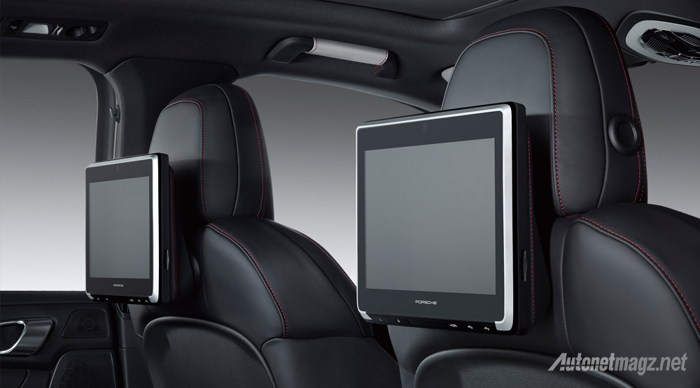 Porsche-Rear-Seat-entertainment-System