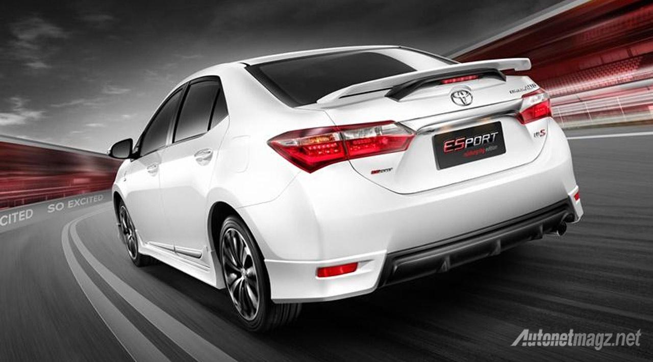 Toyota-Corolla-Altis-ESport-Nurburgring-Edition-Rear