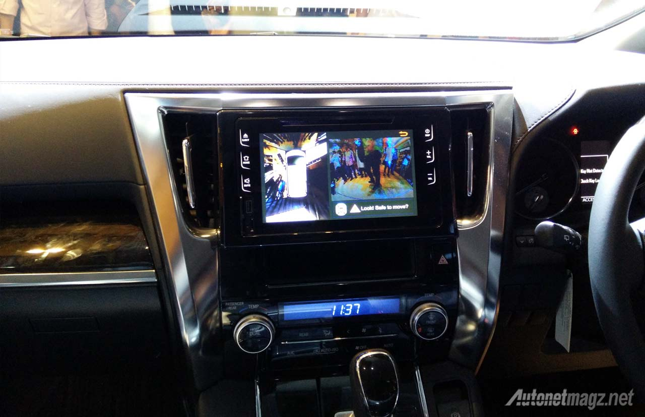 head-unit-toyota-alphard