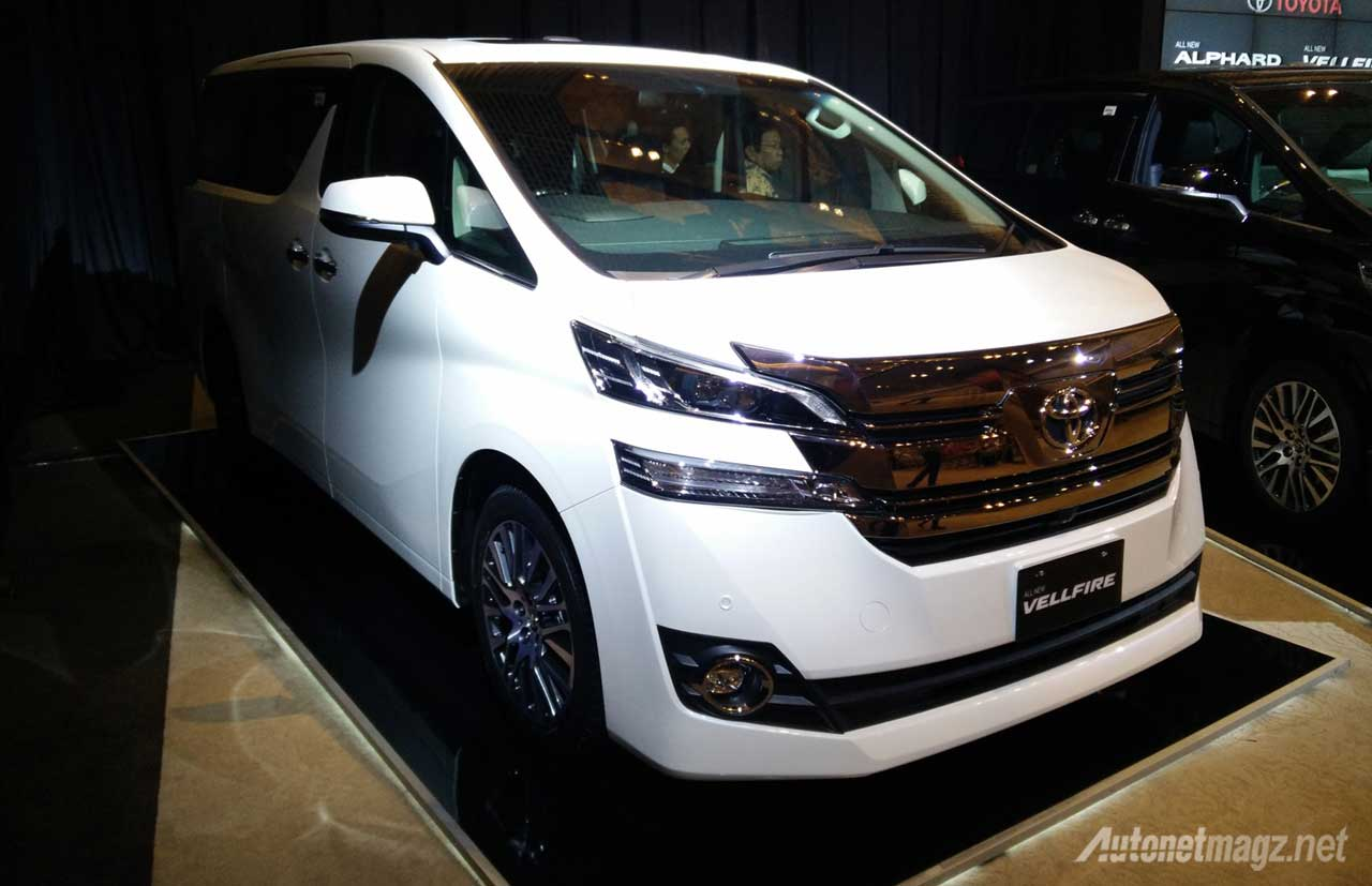 First Impression Review Toyota Alphard Dan Vellfire 2015 Autonetmagz