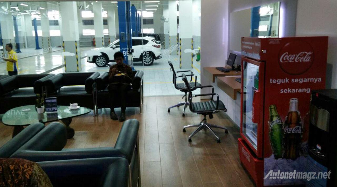 Berita, waiting-room-dealer-mazda-tangerang: Mazda Resmikan Showroom ke-45 di Cikokol, Tangerang