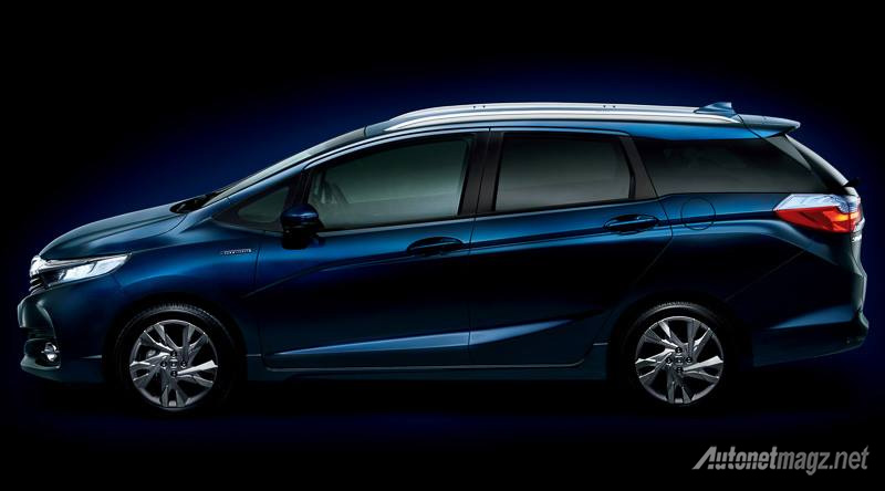 Honda-fit-shuttle-samping
