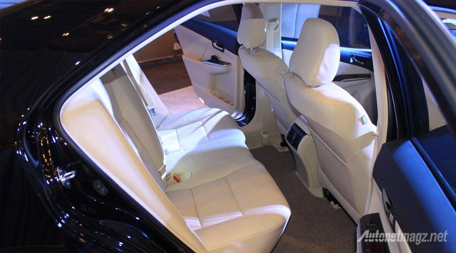kabin-belakang-toyota-camry-facelift