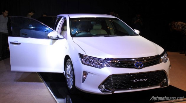 new-toyota-camry-facelift-2015-hybrid