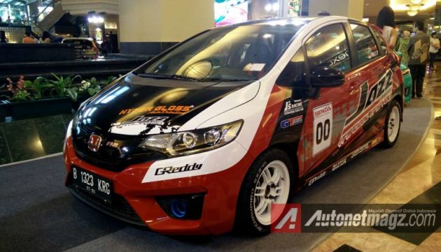 honda-jazz-racing-style-modification