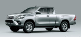 toyota-hilux-2015-running