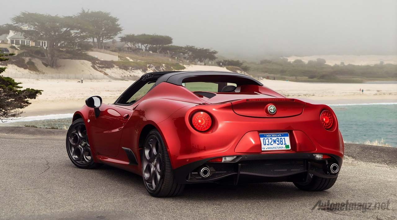 Alfa-Romeo-4C-Spider-Red