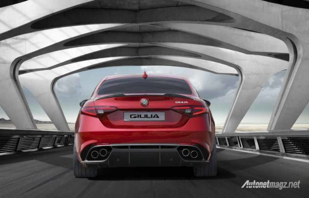 Alfa-Romeo-Giulia-launching-back