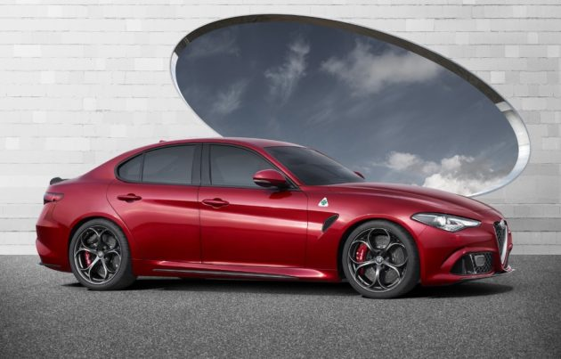 Alfa-Romeo-Giulia-launching-cover-side