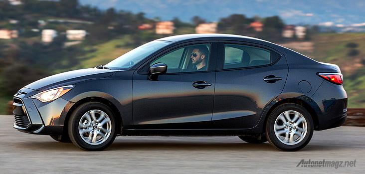 Toyota Yaris versi sedan di Canada
