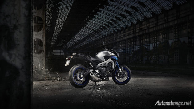 Yamaha-MT-09-back