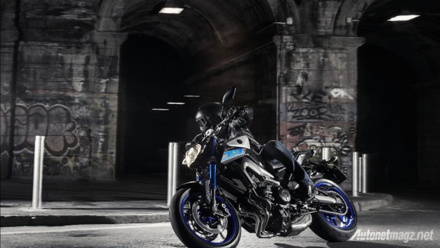 Yamaha-MT-09-cornering