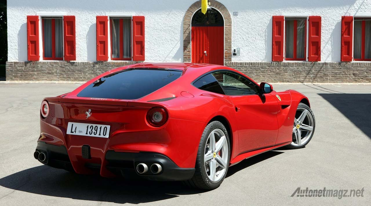 ferrari-f12-berlinetta-rear