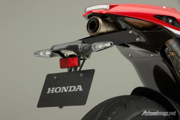 honda-rc213v-s-road-legal-released-muffler