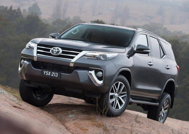 2016-Toyota-Fortuner-Thailand-Front